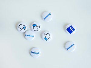broches do facebook